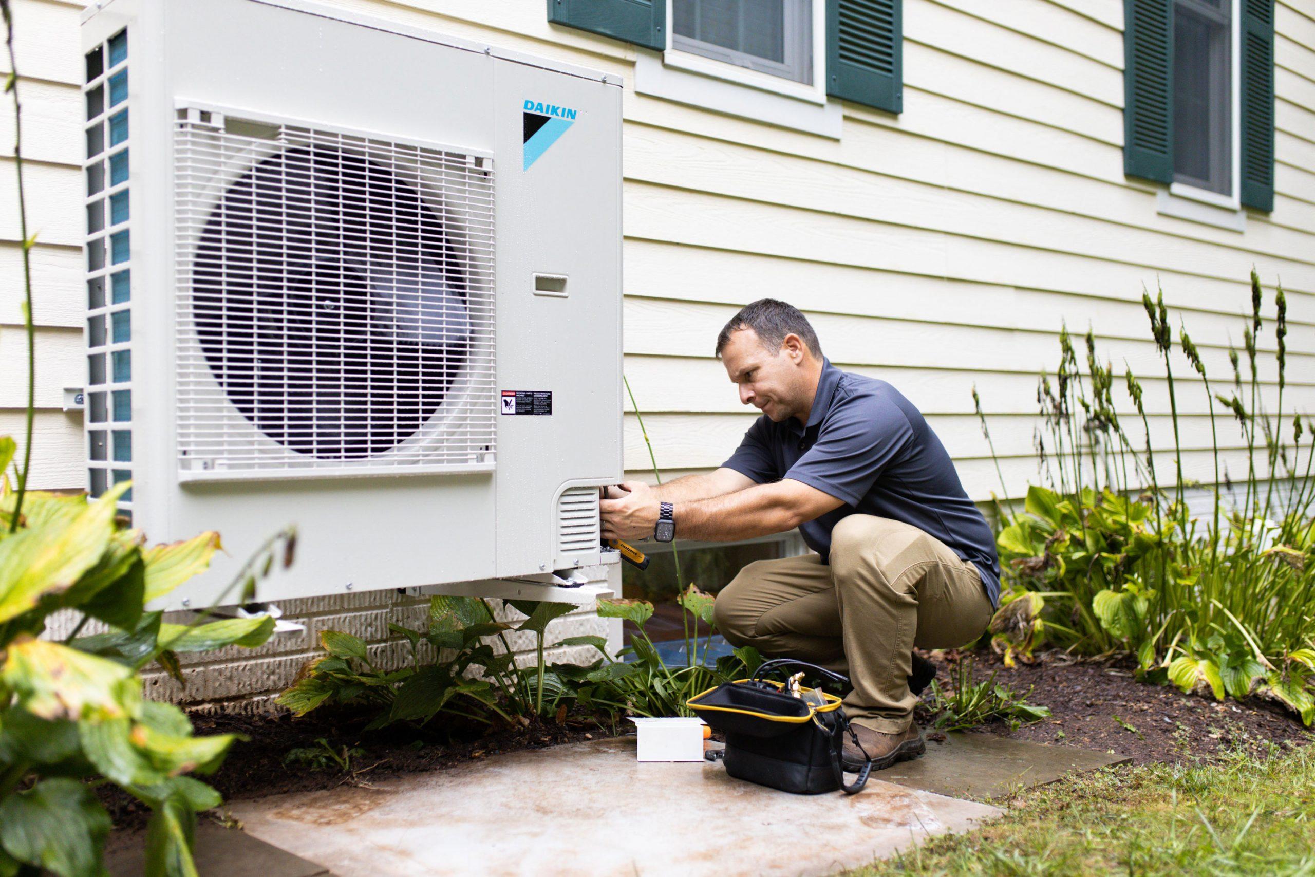 Image of AMSI team member HVAC Experts Daikin System 2
